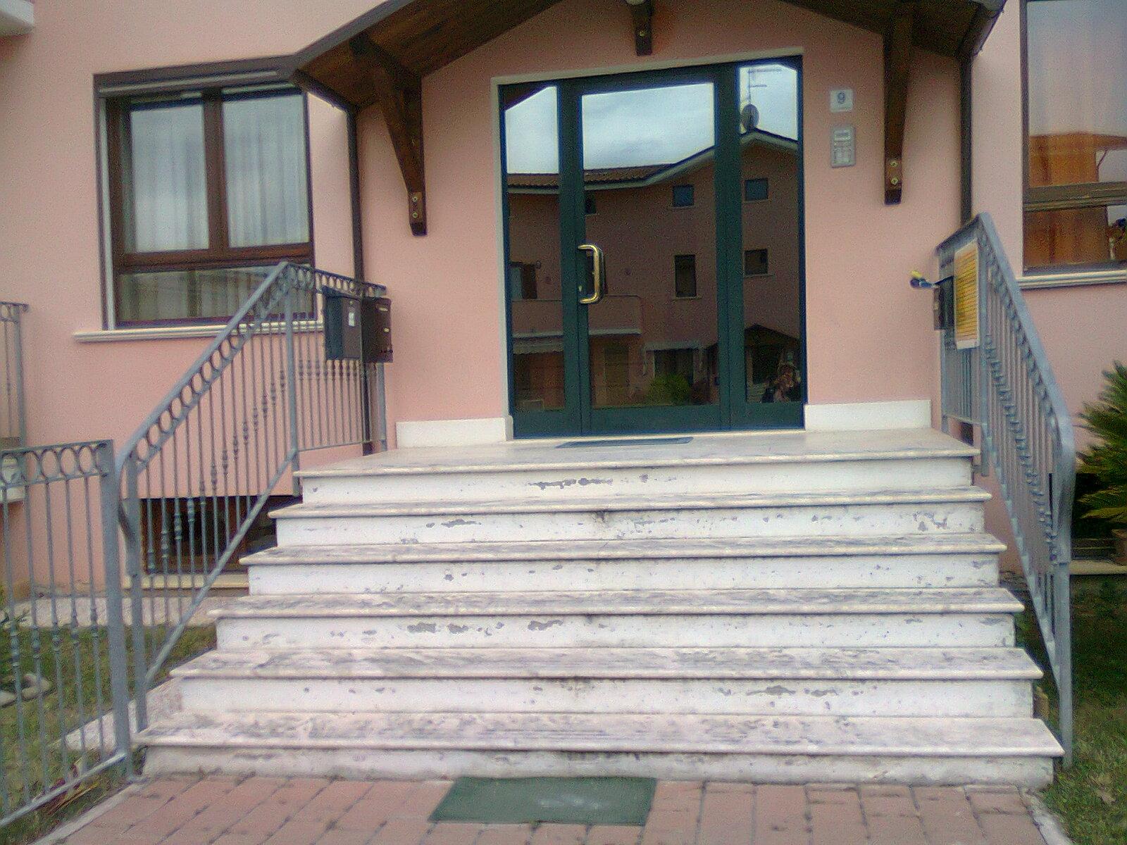 Agenzia immobiliare toro geom aurelio toro pianella pescara for 3 piani da appartamento con 2 bagni e garage